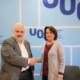 Oncolliga i la UOC signen un acord que permetrà als estudiants fer voluntariat i pràctiques a l'entitat