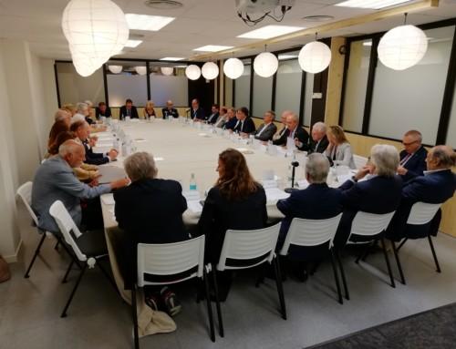 Oncolliga constitueix un Consell Assessor format per membres de la societat civil